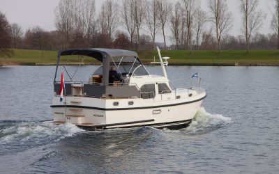 Linssen-Grand-Sturdy-30-9-AC // Dutch Yacht Rentals